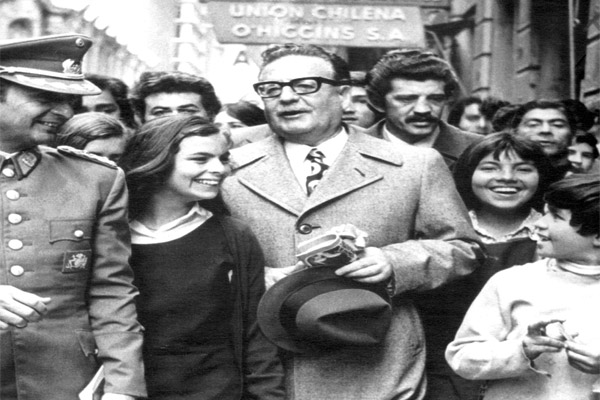 The-Last-Days-of-Salvador-Allende-03